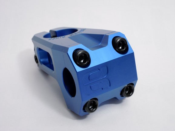 s_blue%2001[1]