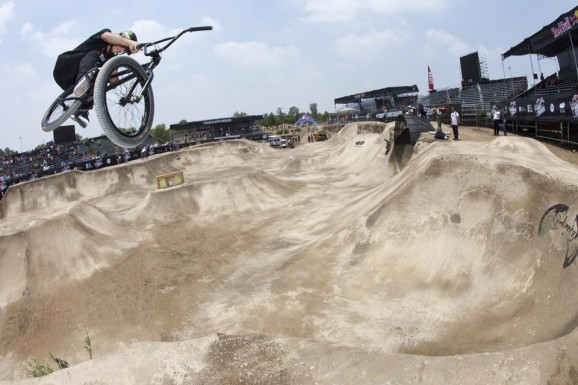 Red Bull Dirt Conquers 02