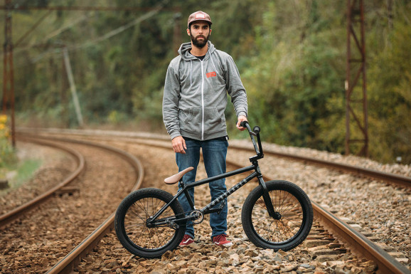 John Garcia Bike Check 01