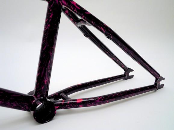 Burna Frame 08