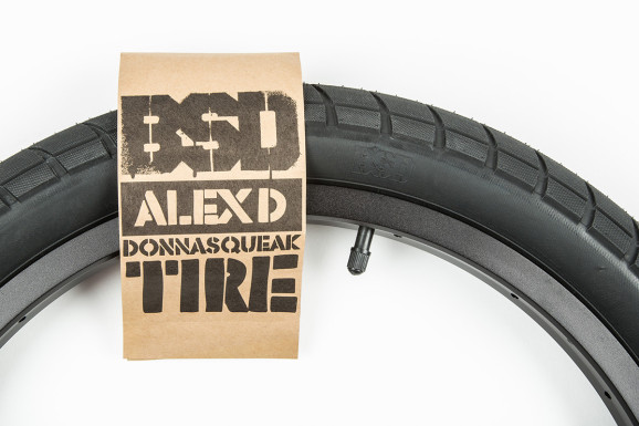 Donnasqueak Tires 01