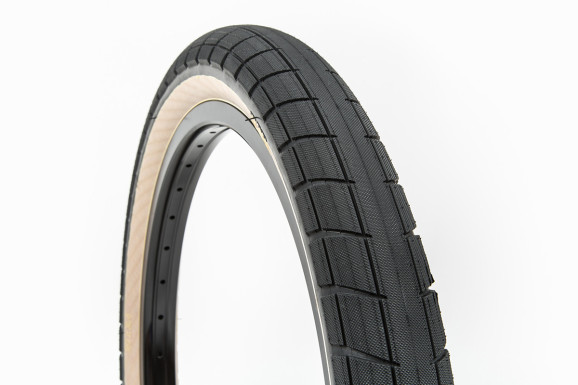 Donnasqueak Tires 07