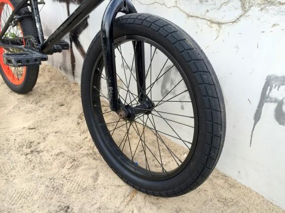 BSD Donnasqueak Tire 02