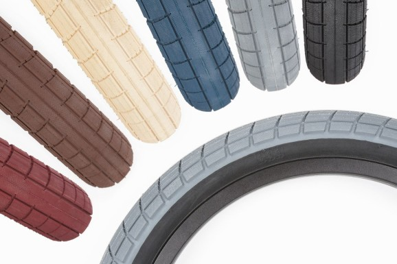 Donnasqueak Tires 06