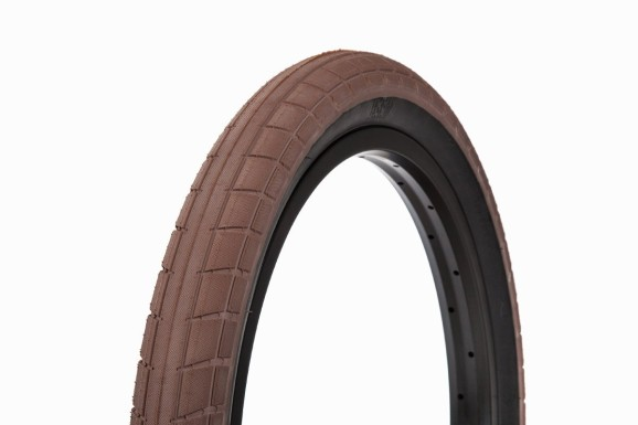 Donnasqueak Tires 08
