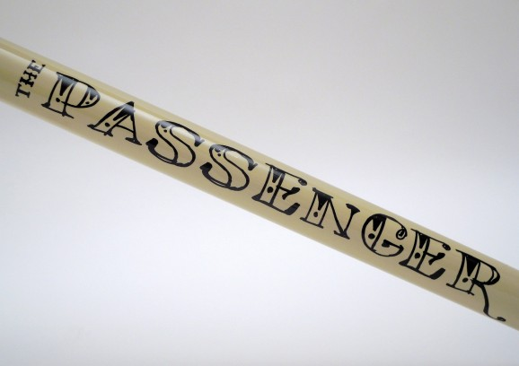 passenger v2 frame 04